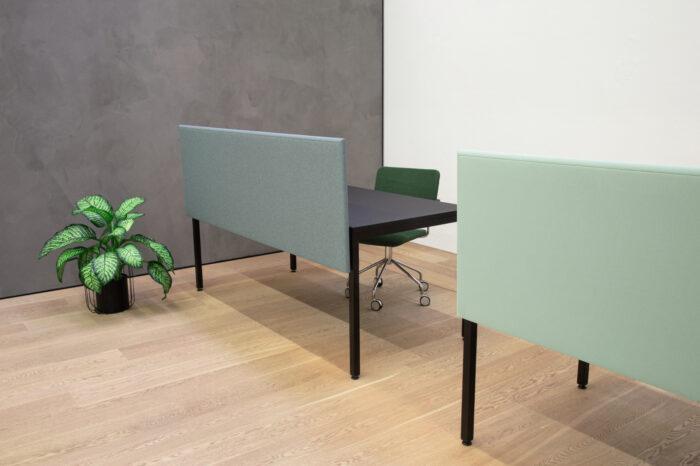 Schreibtischtrennwand Büro für bessere Raumakustik und Schallschutz