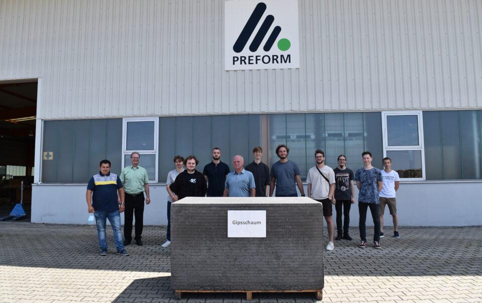 Gipsschaum Produktion Gruppenfoto Hochschule Mittweida