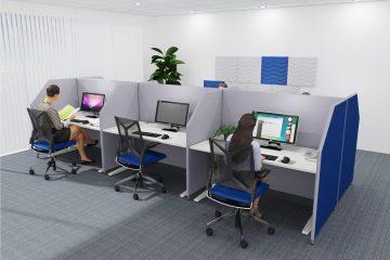 Individuelle Büroplanung mit einer Tischaufsatzwand von Preform